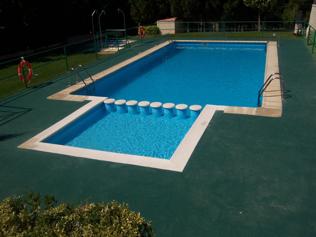 El ayuntamiento de sediles reforma las piscinas for Como se construye una piscina