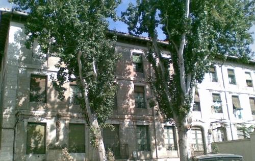 Edificio condenado a la desaparición